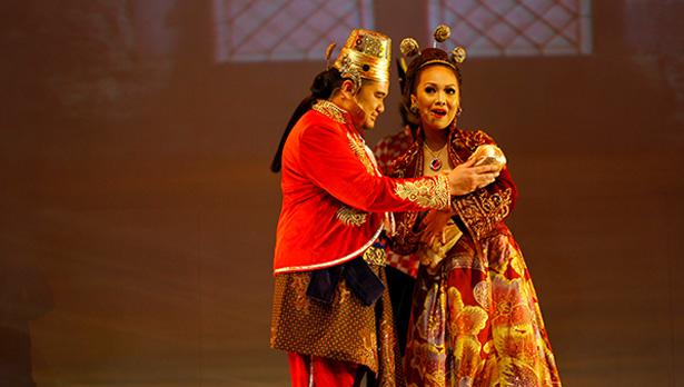 Bunda Ratu dan Raja Merayakan Kelahiran Timun Mas pic