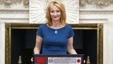 JK Rowling Akan Menulis Naskah Film Spin-Off Harry Potter
