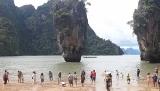 Menjelajahi Keindahan James Bond Island