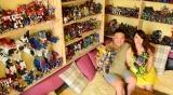 Pria Ini Habiskan Rp 300 Juta Untuk Mengkoleksi Transformers
