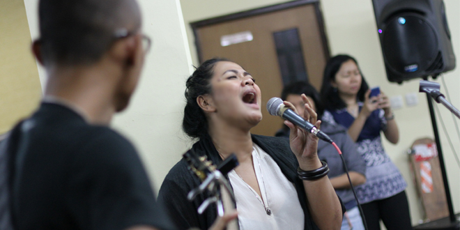"Ini Dia Suasana Sesi Latihan Pementasan ""Tribute To Idris Sardi"" AFI 2014"